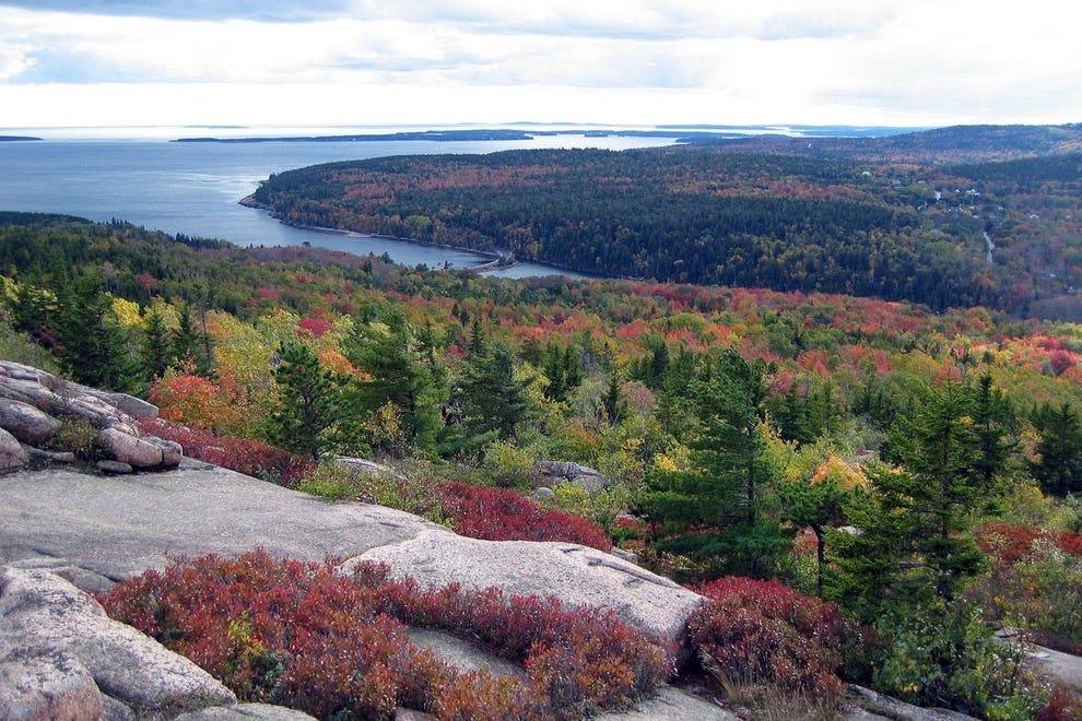 Acadia had 2,811,184 visitors in 2015