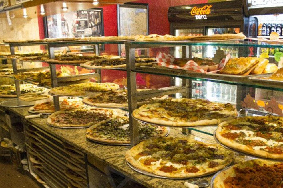 of pizzaiolo bavaro 3 gourmet pizza photo courtesy of gourmet pizza