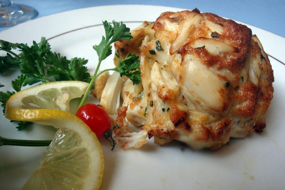 Best Affordable Crab Cakes In Baltimore Maryland
