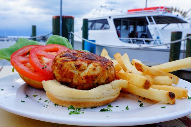 Vote best crab cakes in maryland nominees 2016 10best for Nick s fish house baltimore md