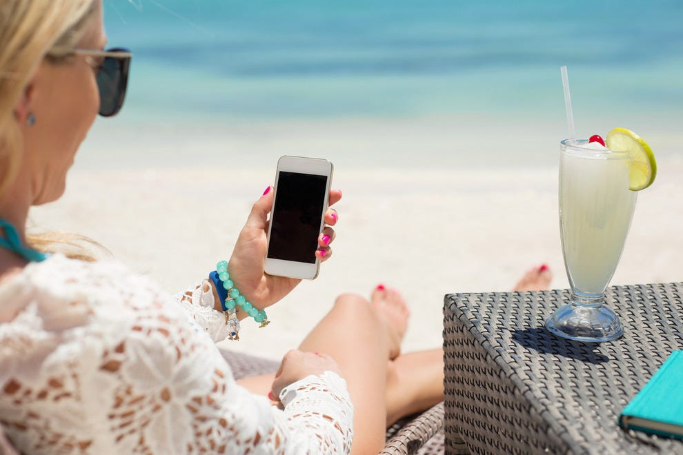 10 Useful Travel Apps You Should Download Now