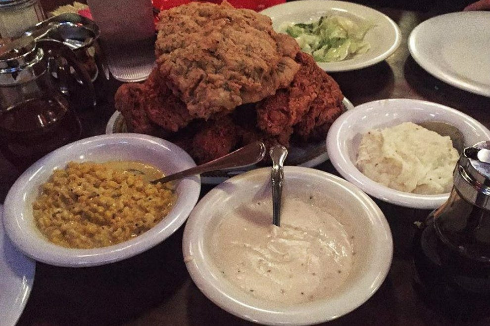 Babe's Chicken Dinner House Arlington