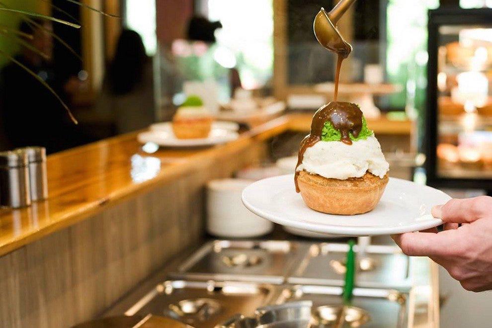 Restaurant Slideshow Whistler S Best Restaurants Peaked Pies