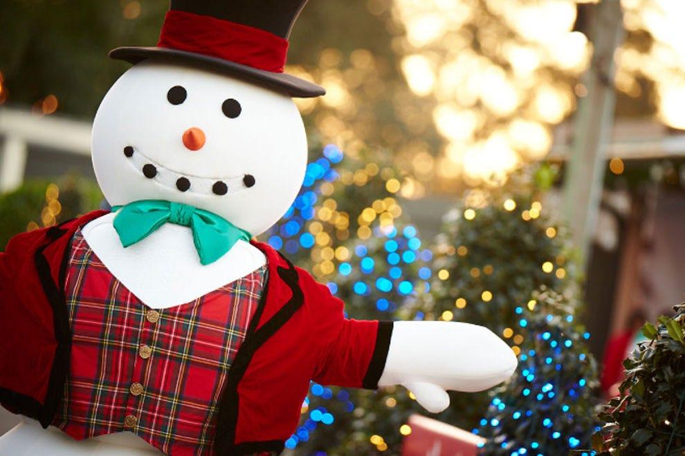 坦帕湾布希花园的圣诞小镇