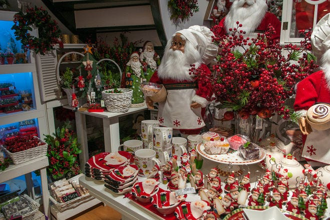 Christmas Shopping in Lisbon for Festive Gifts and Presents.