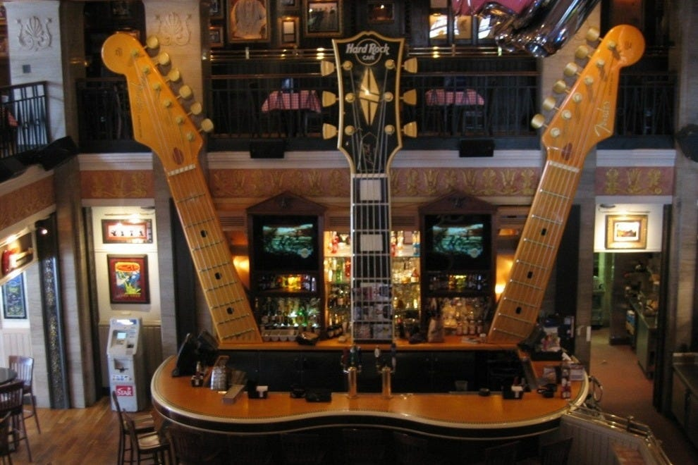 Niagara falls restaurants restaurant reviews by 10best for Top of the rock new york restaurant