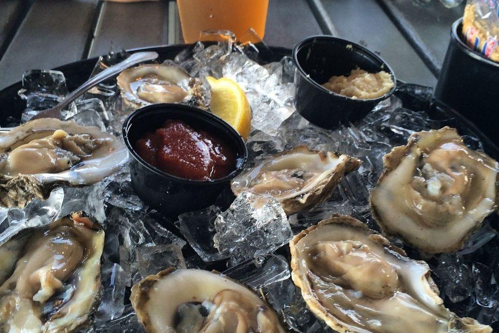 Dixie fish company fort myers restaurants review 10best for Dixie fish company