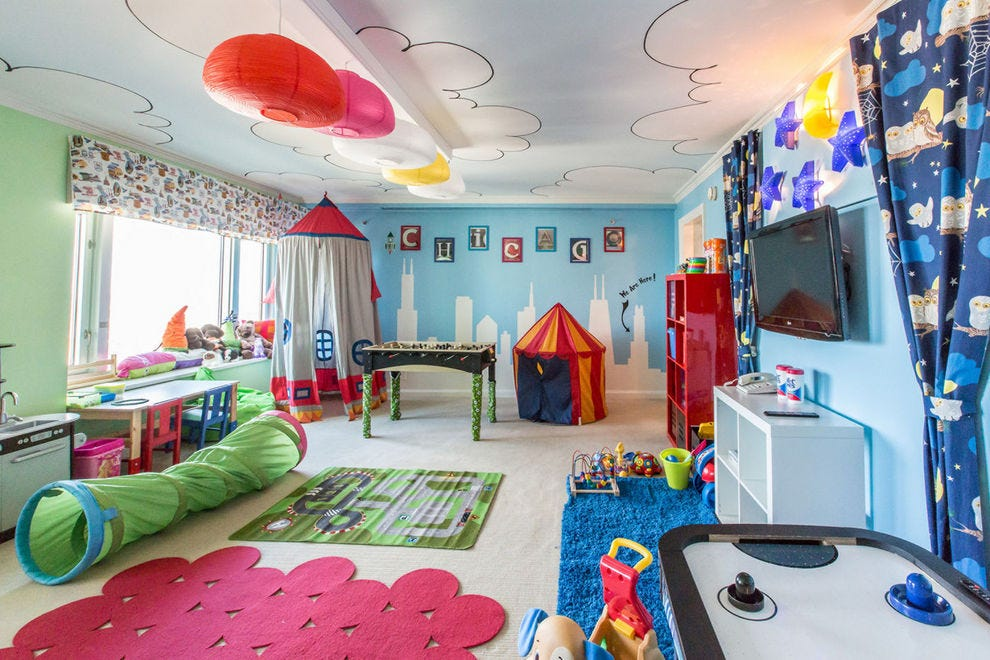 Chicago family friendly hotels in chicago il family for Kid friendly family room design