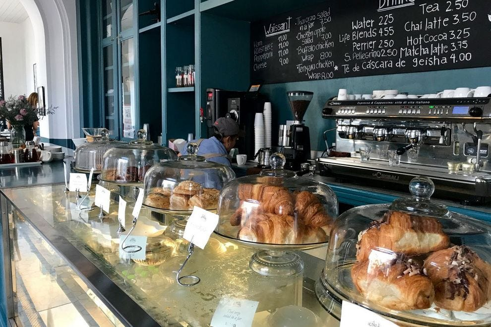 Cafe Unido in the old city serves up freshly roasted coffee and delicate pastries to satisfy today's travelers.