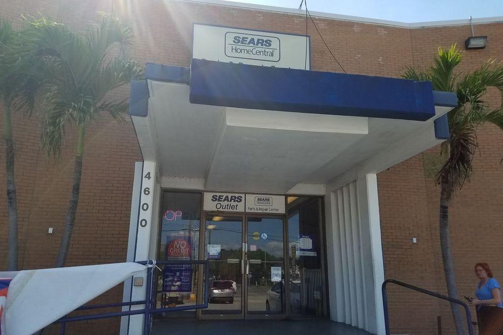 Sears Outlet Photo Courtesy Of Michelle Da Silva Richmond