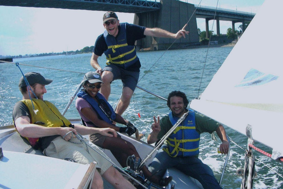 Learn to sail with Hudson River Community Sailing