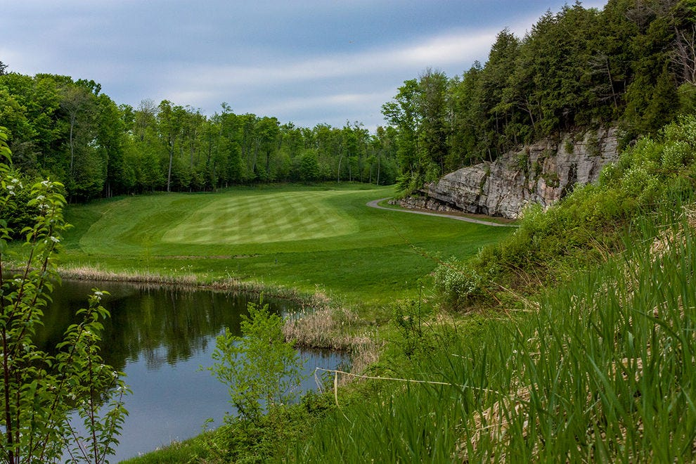 Hole 10 at Deerhurst Golf Resort