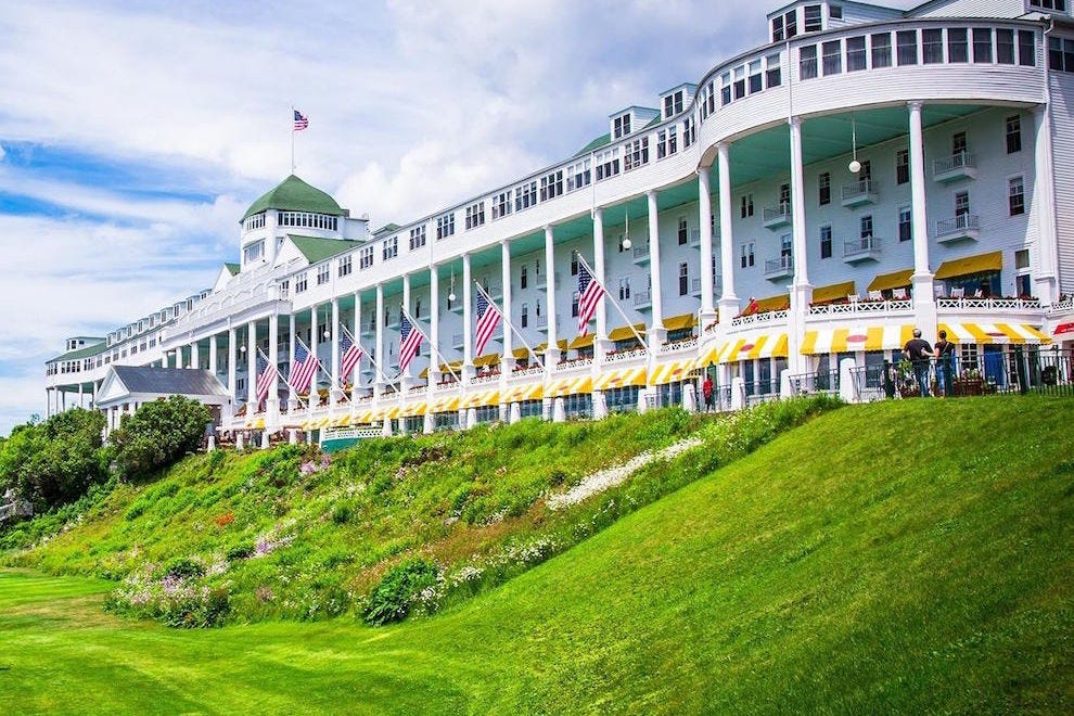 The Grand Hotel S Front Porch Is World Longest At 660 Feet Photo Courtesy Of