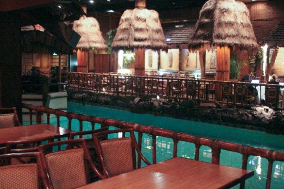 汤加房飓风餐厅和酒吧