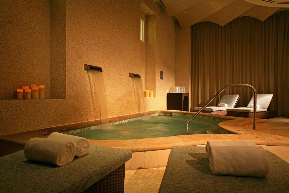 Experience serenity at the Spa at Sandpearl