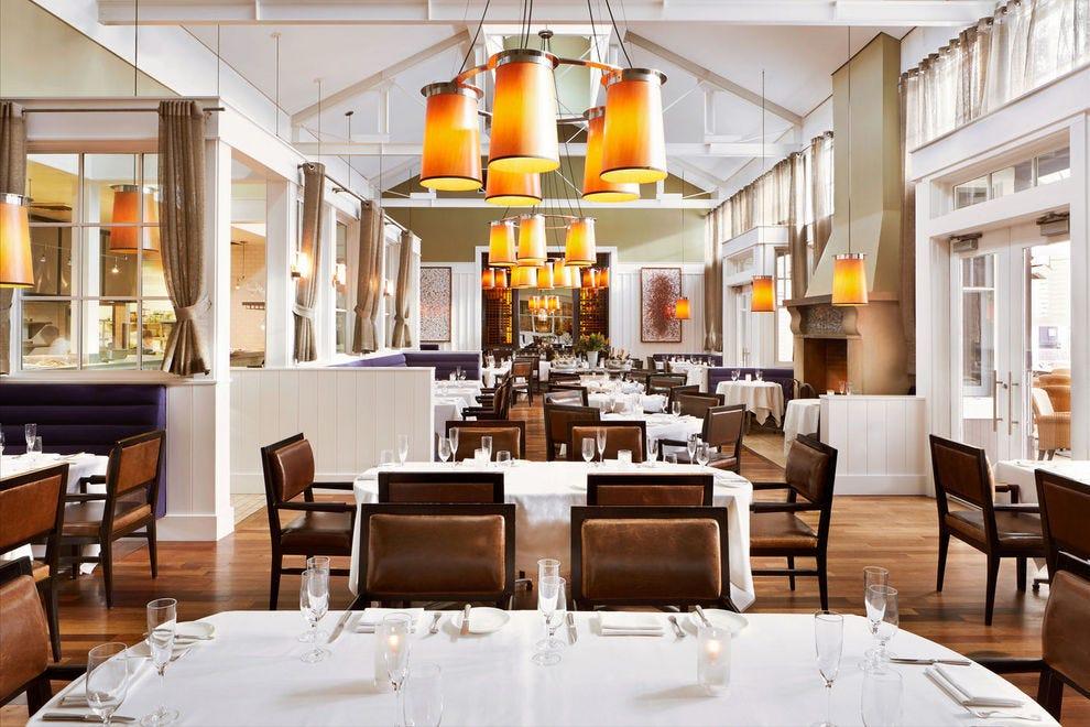 Napa valley romantic dining restaurants 10best restaurant for The farm restaurant napa