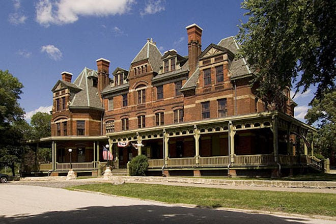 Wanted dead or alive: Chicago historic sites from crypts to culture - chicago