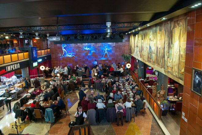 Dining in numbers: group friendly restaurants in Lisbon.