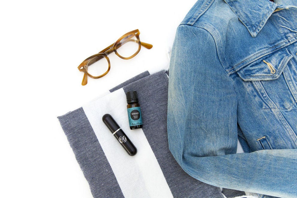 10 tips for how to use essential oils when you travel