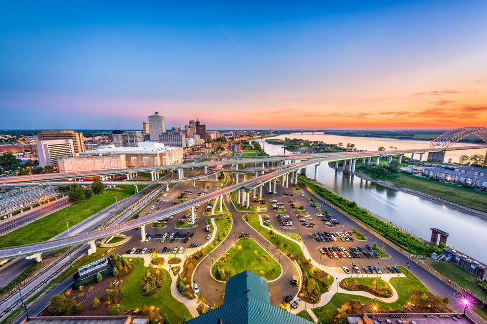 Bird's-eye view of Memphis and Mud Island