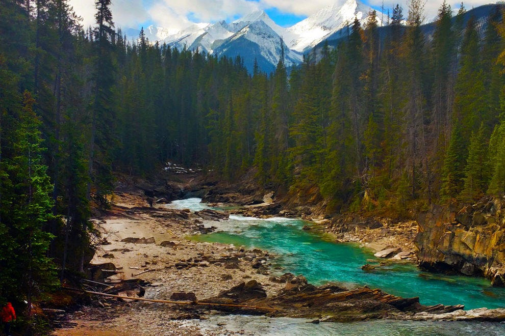 This luxury train ride through the Canadian Rockies is the ultimate in fall travel