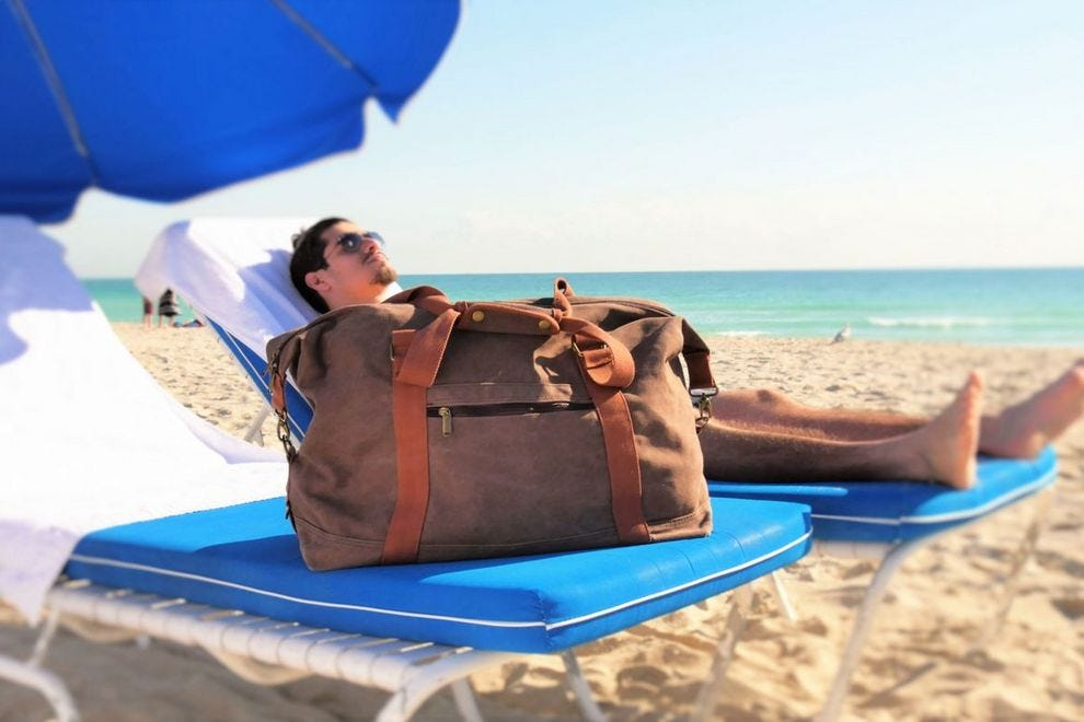 DEZZIO Beach Bag keeps your stuff organized and sand-free