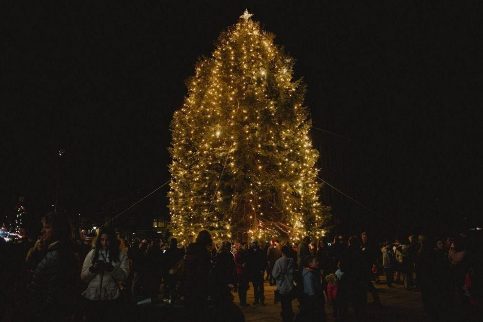 Christmas Village 2021 Birmingham Al 10 Towns In The U S With Christmas Names