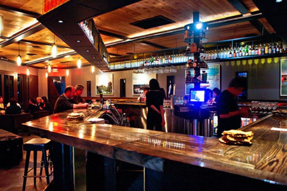 Vancouver Bars Pubs 10best Bar Pub Reviews