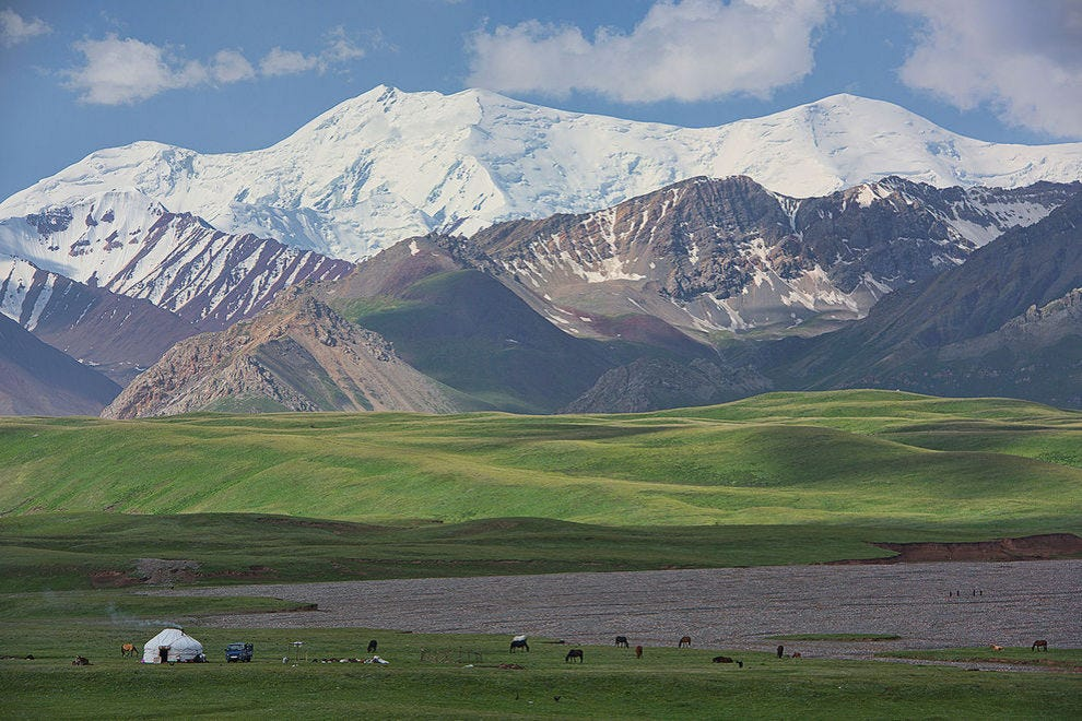 Lone yurt under the high Pamir