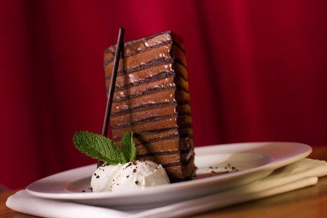 Pez anémona mueble Falange  Michael Jordan's Steakhouse - Best Restaurants in Chicago