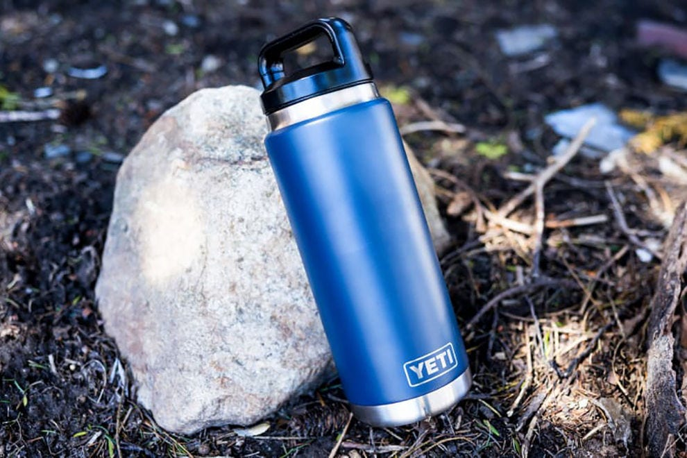 Yeti Rambler 26-oz Vacuum Insulated Stainless Steel Bottle with Cap