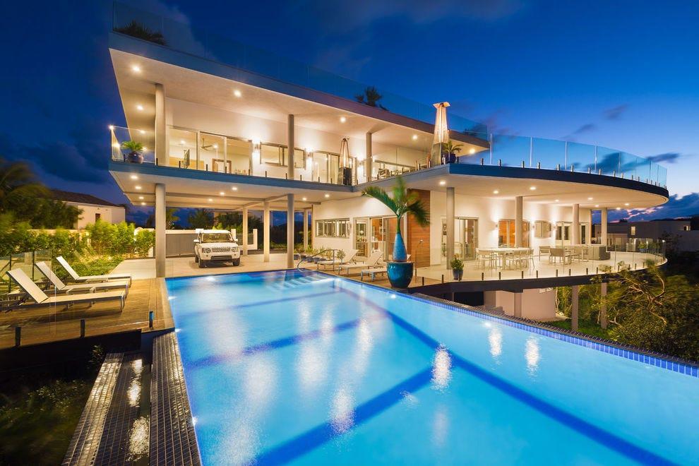 Villa Skyline is a chic 3-bedroom villa on Grace Bay