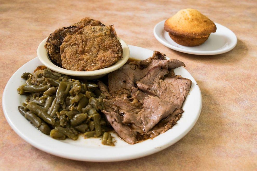 Arnold's signature meat and three plates still attracts Nashvillians.
