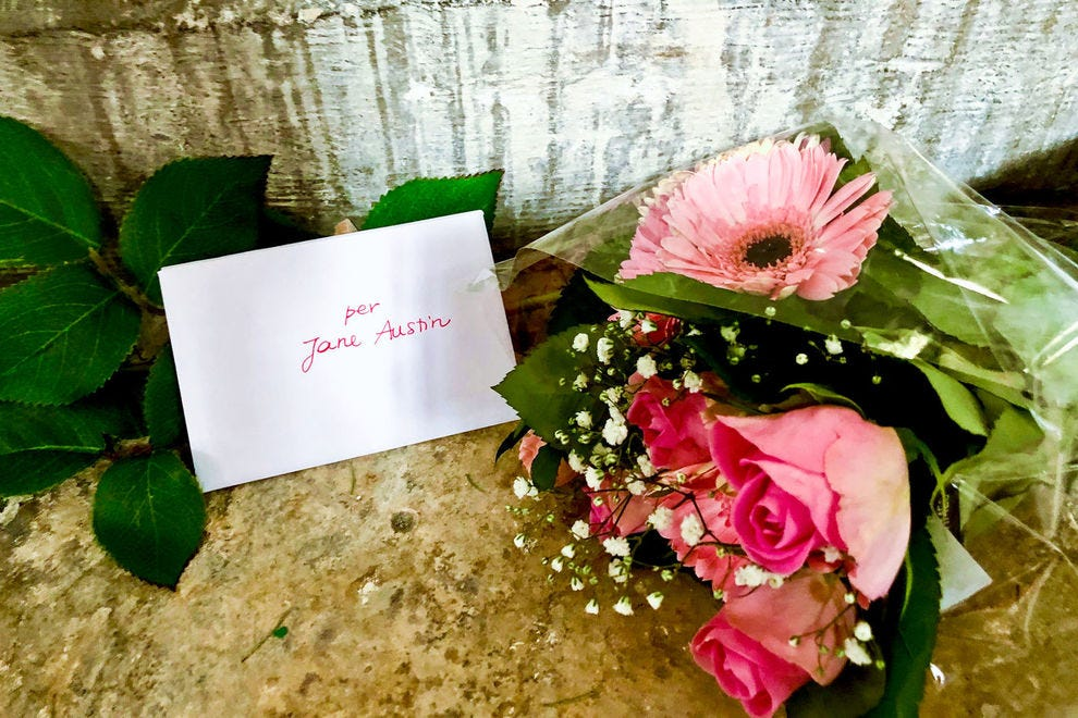 Jane Austen's fans still leave her notes and flowers in Winchester Cathedral.