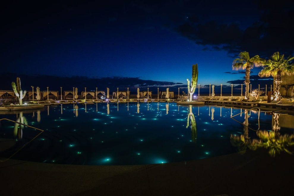 Pueblo Bonito Pacifica Golf & Spa Resort mixes indulgence and sophistication in a sensational waterside setting