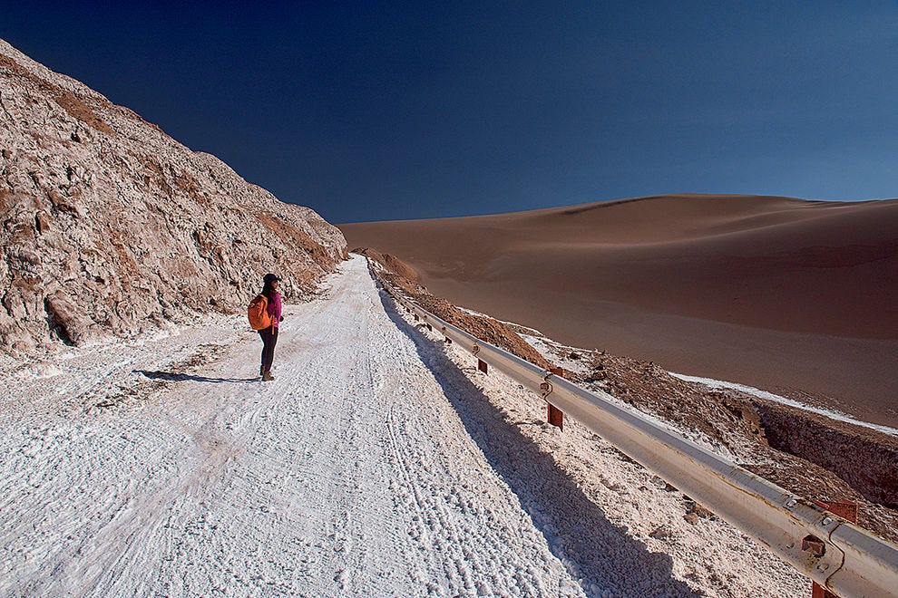Salt and sand, contrasts in the Atacama