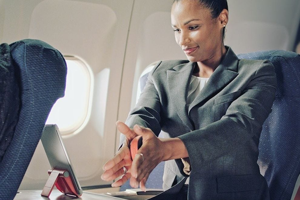 These 10 gifts are great for business travelers