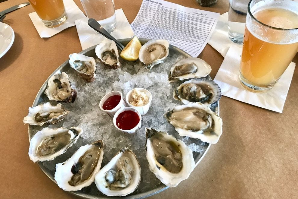 An East Coast / West Coast selection at Thames Street Oyster House.
