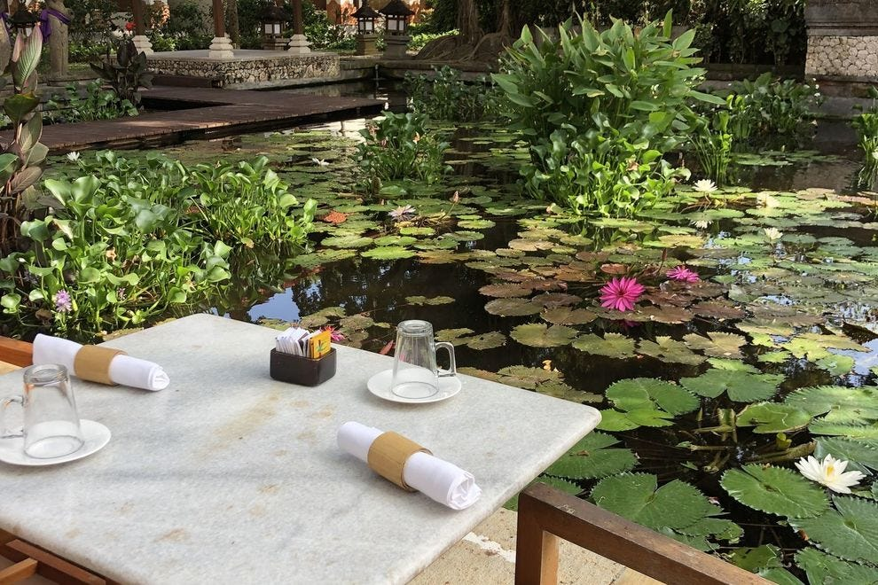 Breakfast with a Balinese view at Watercourt Restaurant