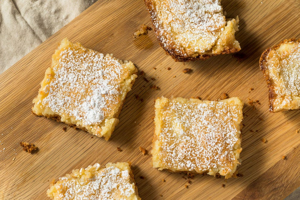 What is gooey butter cake, and why is it so popular in St. Louis?