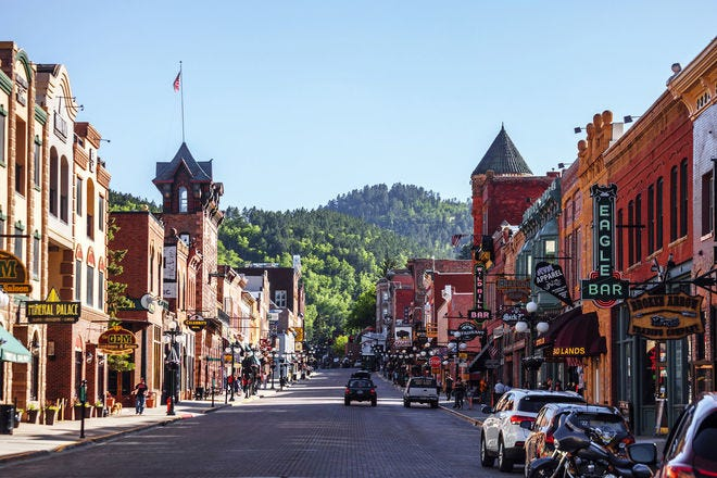 Vote now to help us choose America's best small towns