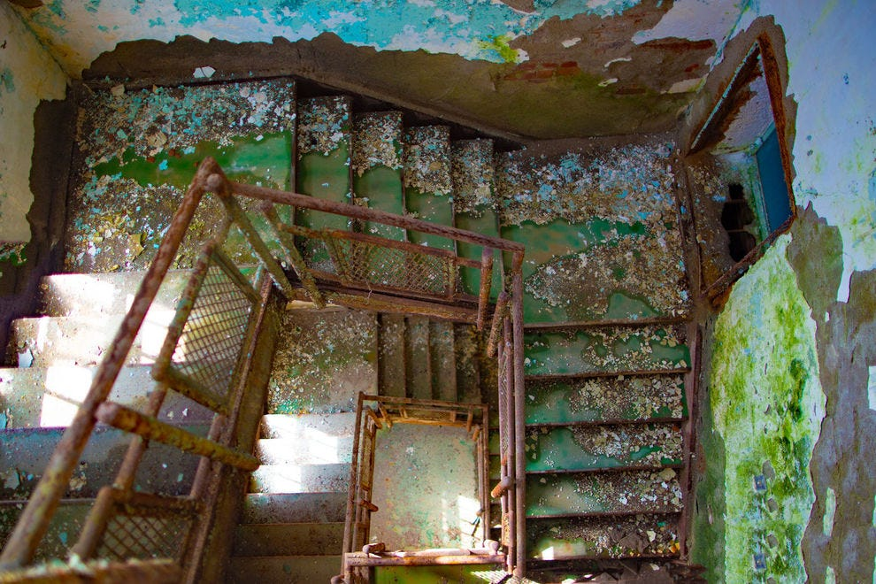 Abandoned stairway