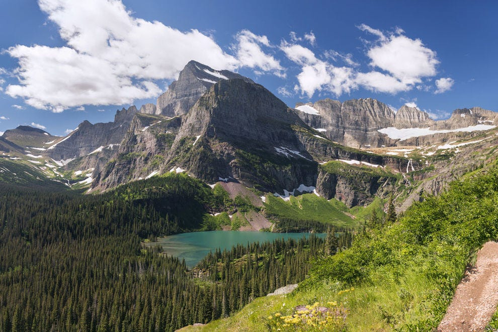 Azure waters of Grinnell Lake