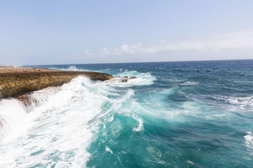 Shete Boka waves