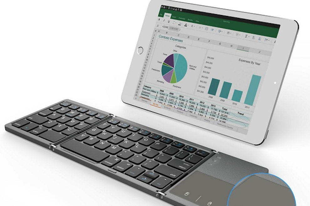 Foldable Bluetooth keyboard from Jelly Comb