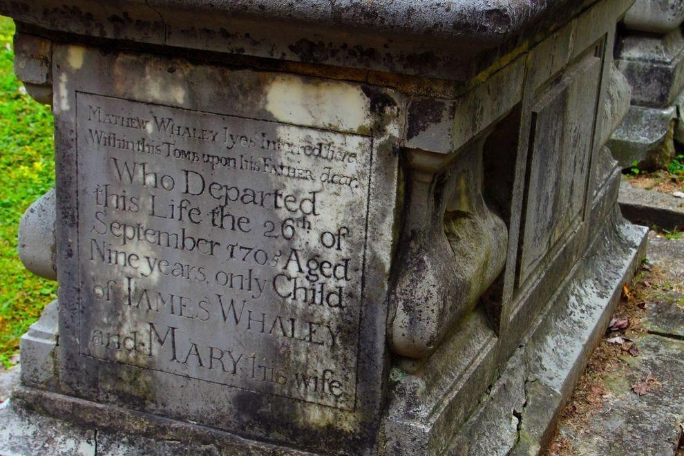 Child's grave in Williamsburg graveyard