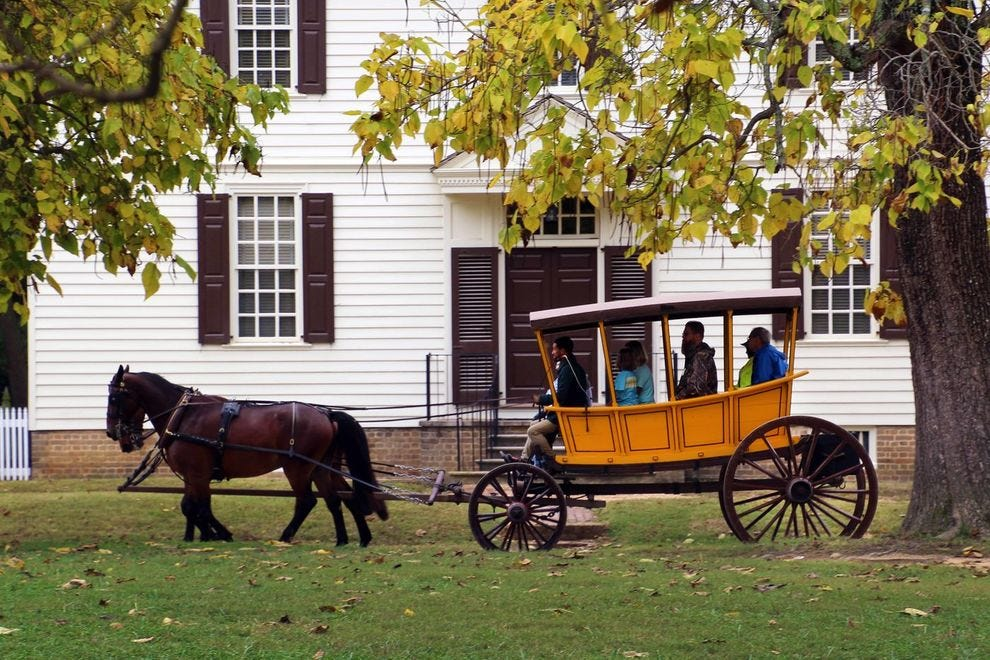 Explore Williamsburg via carriage