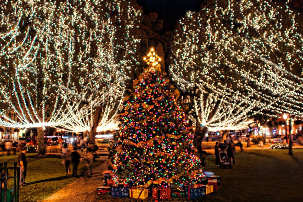 2021 Long Islands Best Places For Christmas Lights Best Public Holiday Lights Display Winners 2020 Usa Today 10best