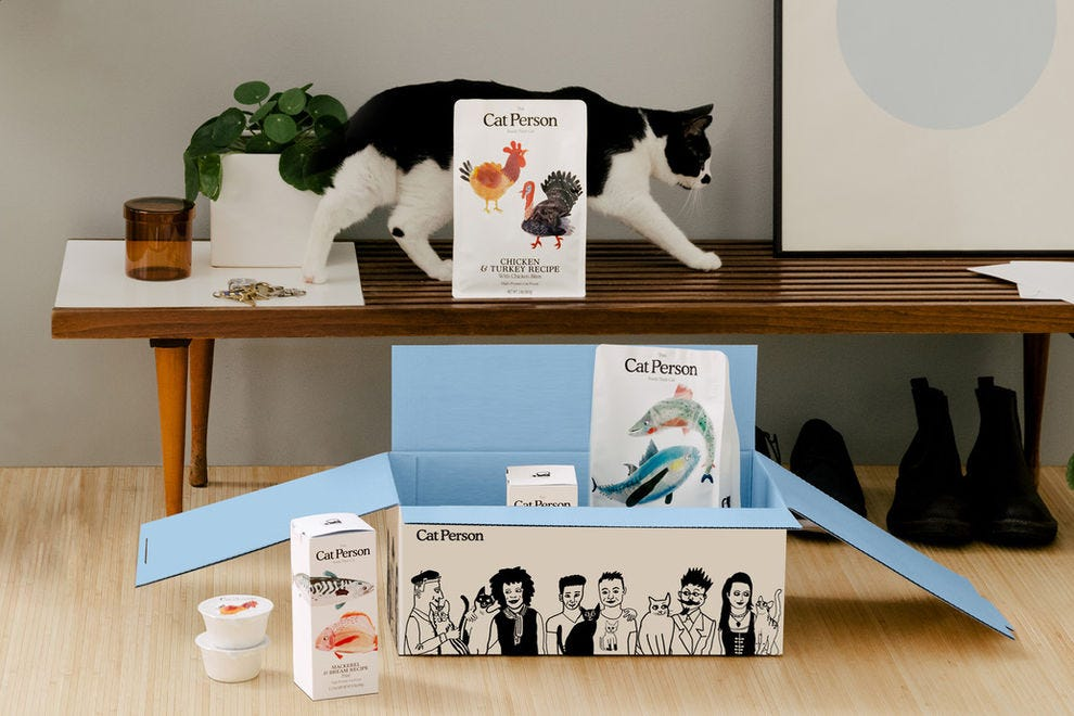Treat your feline friends to high-quality, high-protein meals