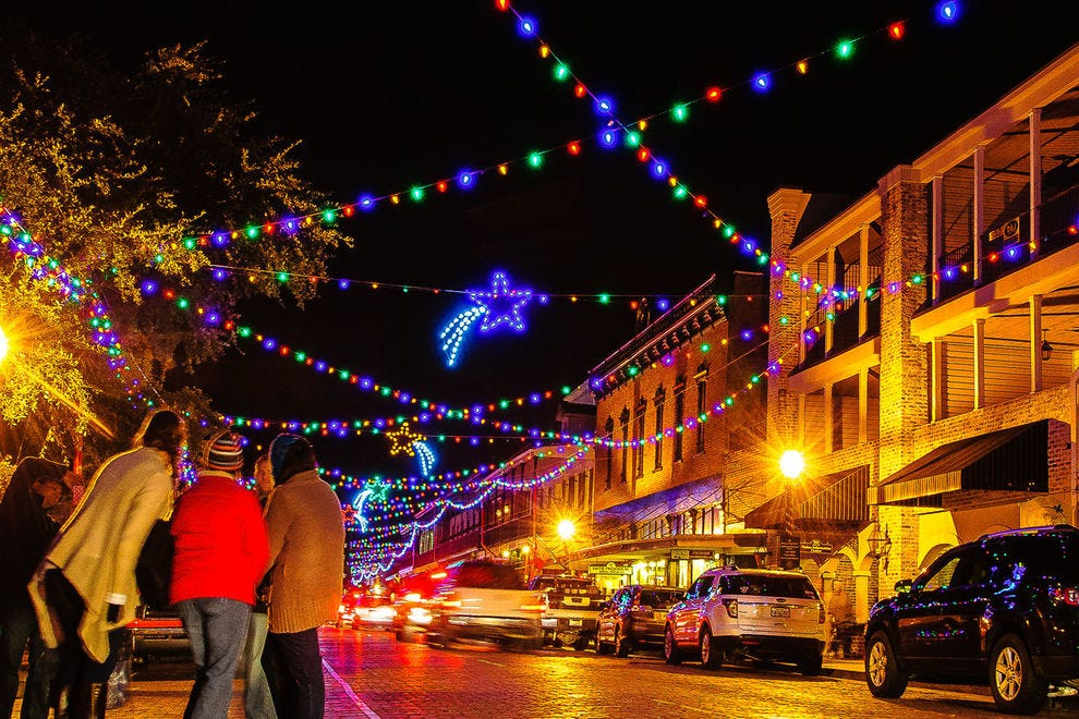 Natchitoches Christmas Festival Vendors 2021 Best Places To See Holiday Lights In 2020